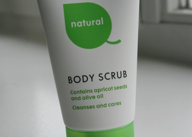 Hema Natural Body Scrub