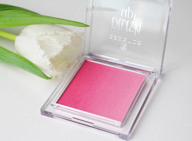 Essence Blush Up! Powder Blush in Pinky Flow