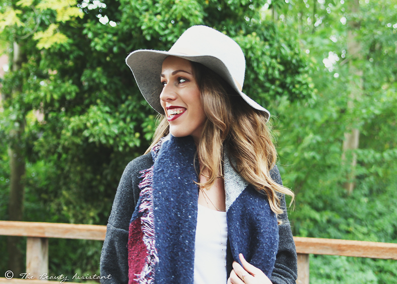 Outfit: Grey Hat