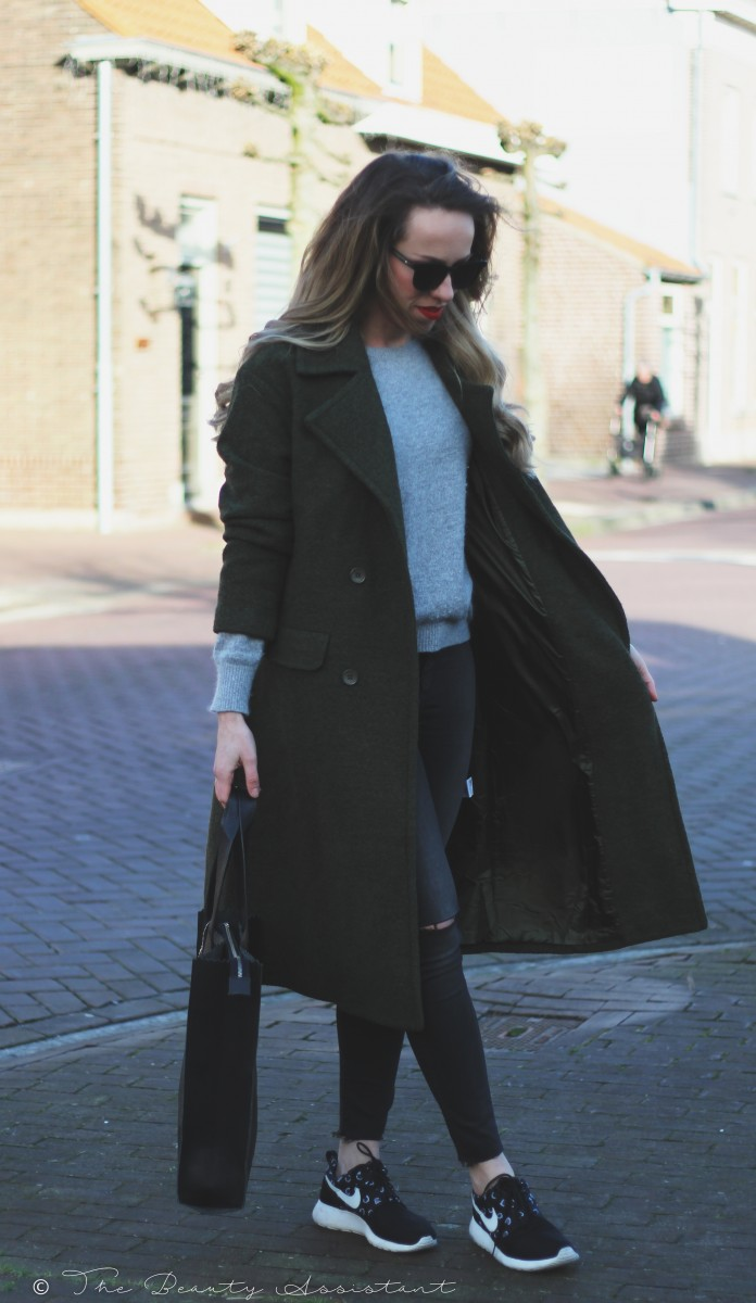 Outfit: Oversized Green Coat