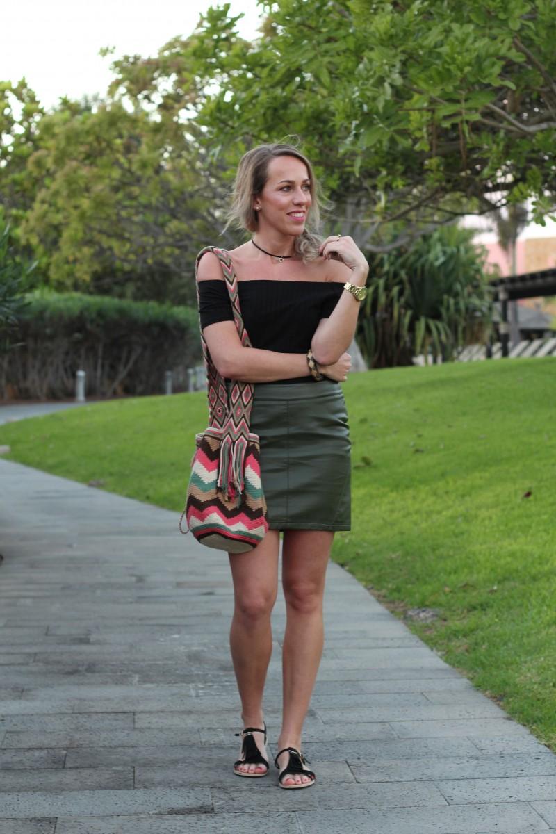 Outfit: Kaki Leather Skirt