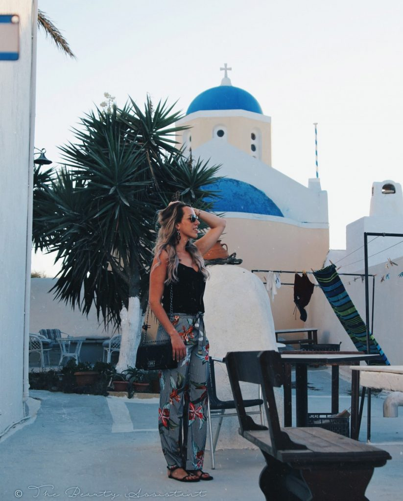 Outfit: Flowers in Santorini