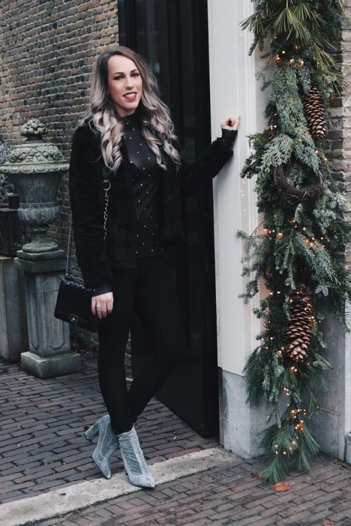 Outfit: Glitters with Christmas