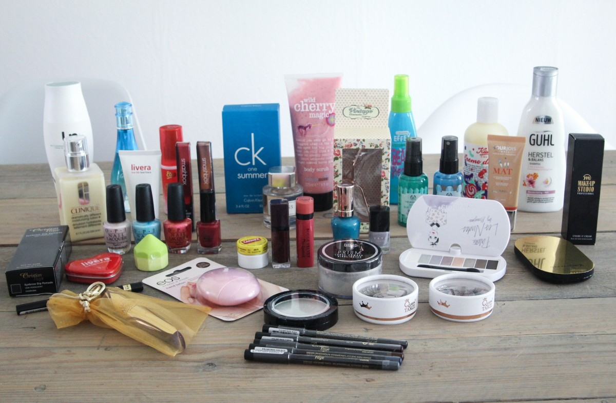 WIN EEN MEGA BEAUTY PAKKET T.W.V. €250,-
