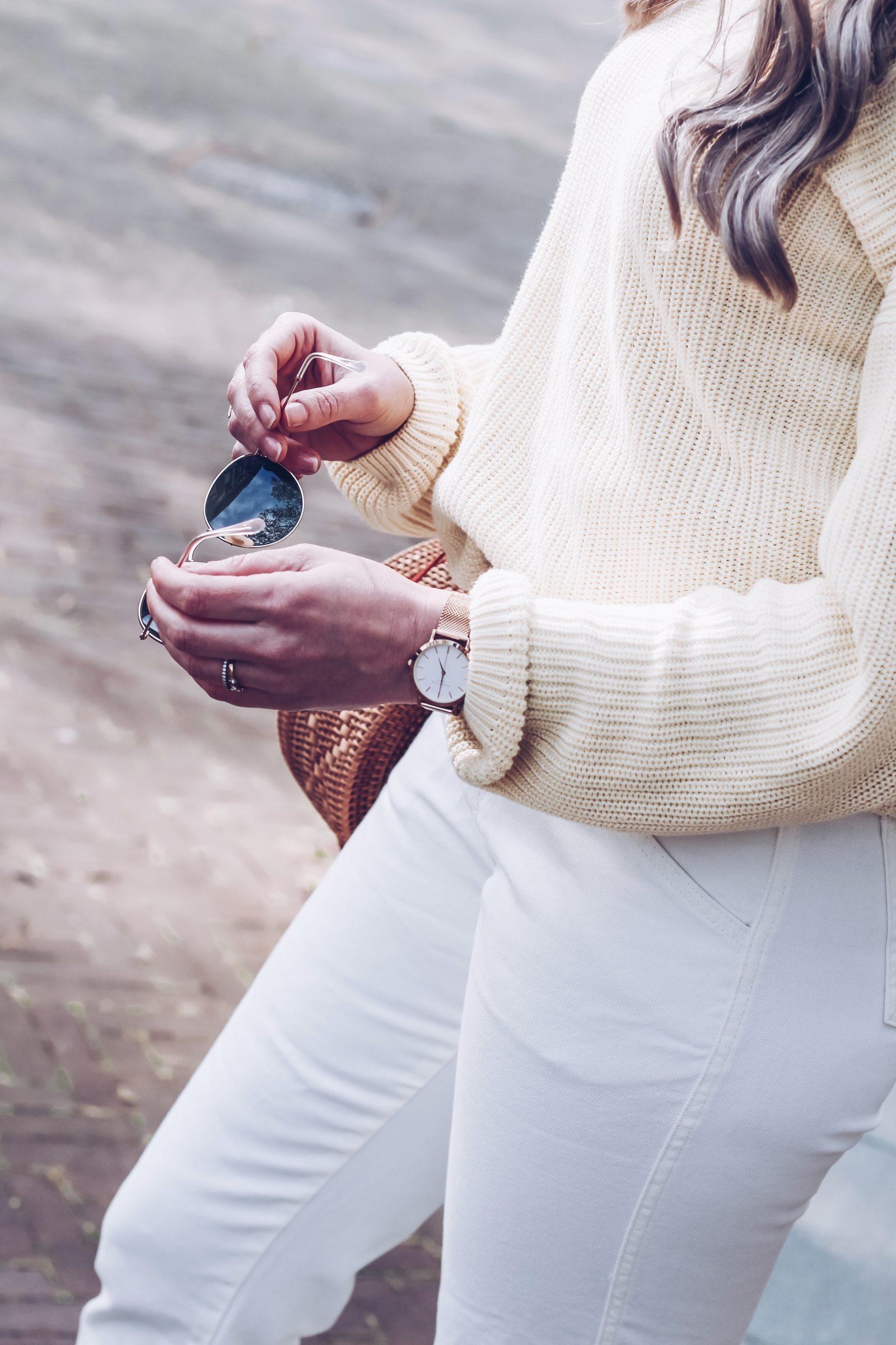 Witte jeans combineren met pastel